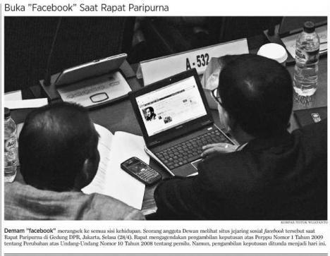 Rapat Paripurna Via Facebook ya Pak ?