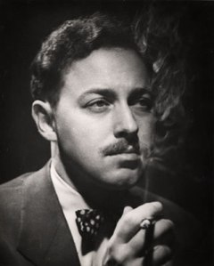 http://tidakmenarik.files.wordpress.com/2009/04/tennessee-williams.jpg?w=240&h=300