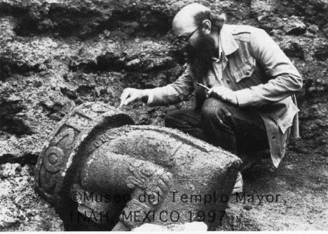 Eduardo Matos Moctezuma, Antropolog (http://archaeology.asu.edu/tm/pages2/mtm46.htm)