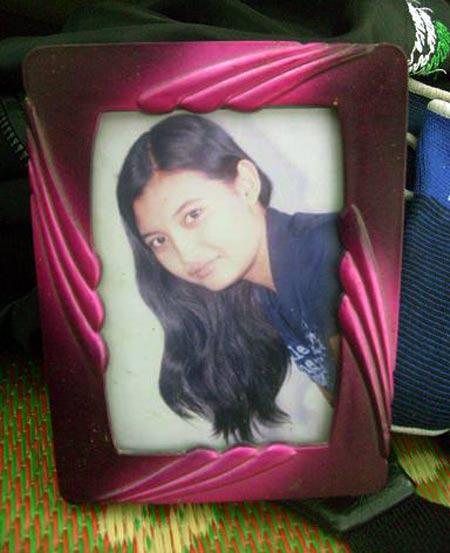 Foto Richa Dwi Margaretha. Richa diduga menjadi korban dalam kecelakaan pesawat Yemenia Air. Richa telah bekerja di maskapai ini selama dua tahun setelah lulus dari sekolah pariwisata di Yogyakarta. Ardian Sugeng/detikcom.