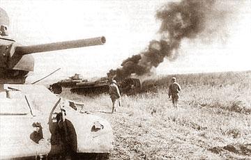 """Tank tentara Soviet dalam """"perang Kursk"""" [wikipedia]"""
